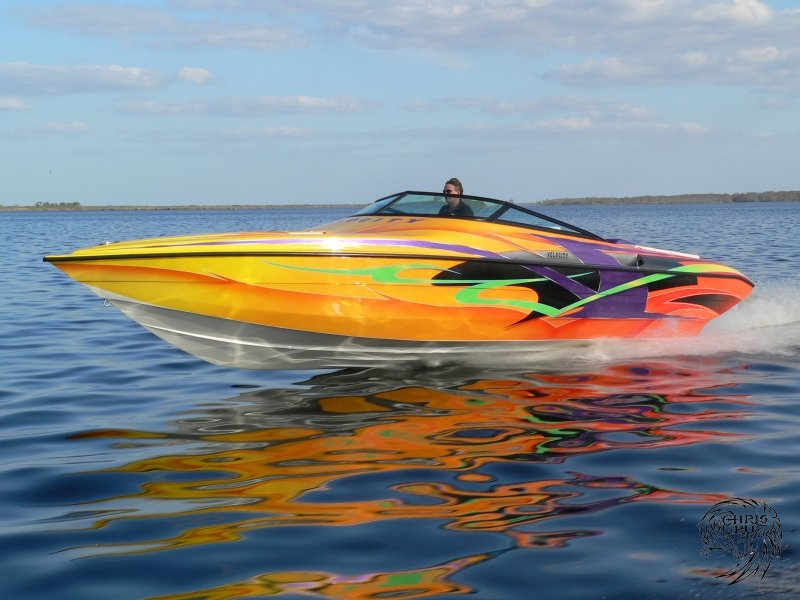 velocity-power-boats-2006-5